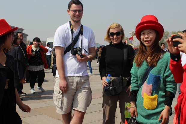 Alexander, a danish guy, and me together with chinese students in front of the Forbidden City (April 2013)