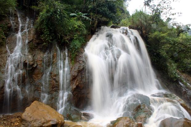 Cat Cat Waterfall Sapa Vietnam