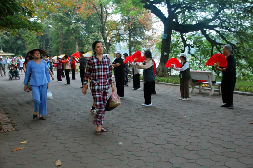 Morgensport Hoan-Kiem-See Hanoi Vietnam