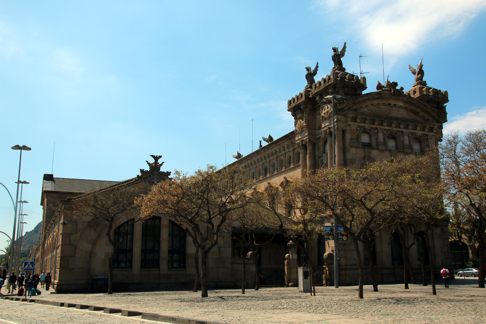 Hafengebäude Barcelona
