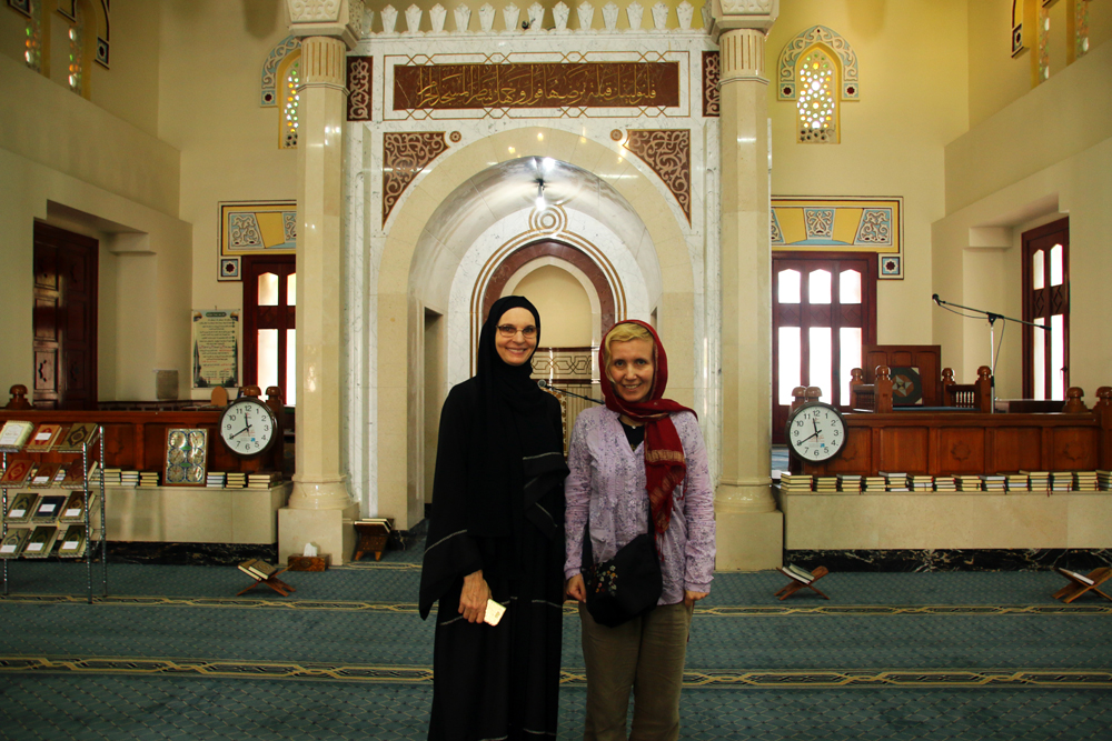 Guided Tour Jumeirah Mosque Dubai United Arab Emirates Middle East