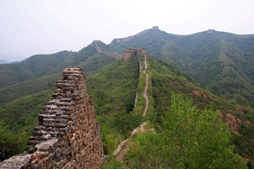 Schmale Mauerreste Chinesische Mauer Gubeikou Miyun Hebei Peking China Asien