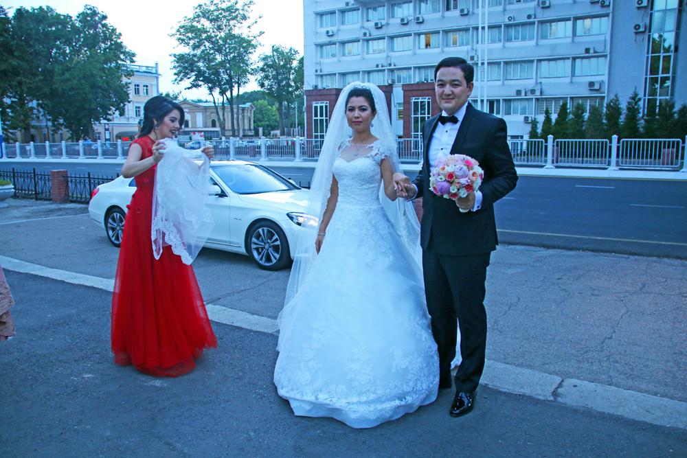 Höhepunkte von Taschkent Usbekisches Brautpaar