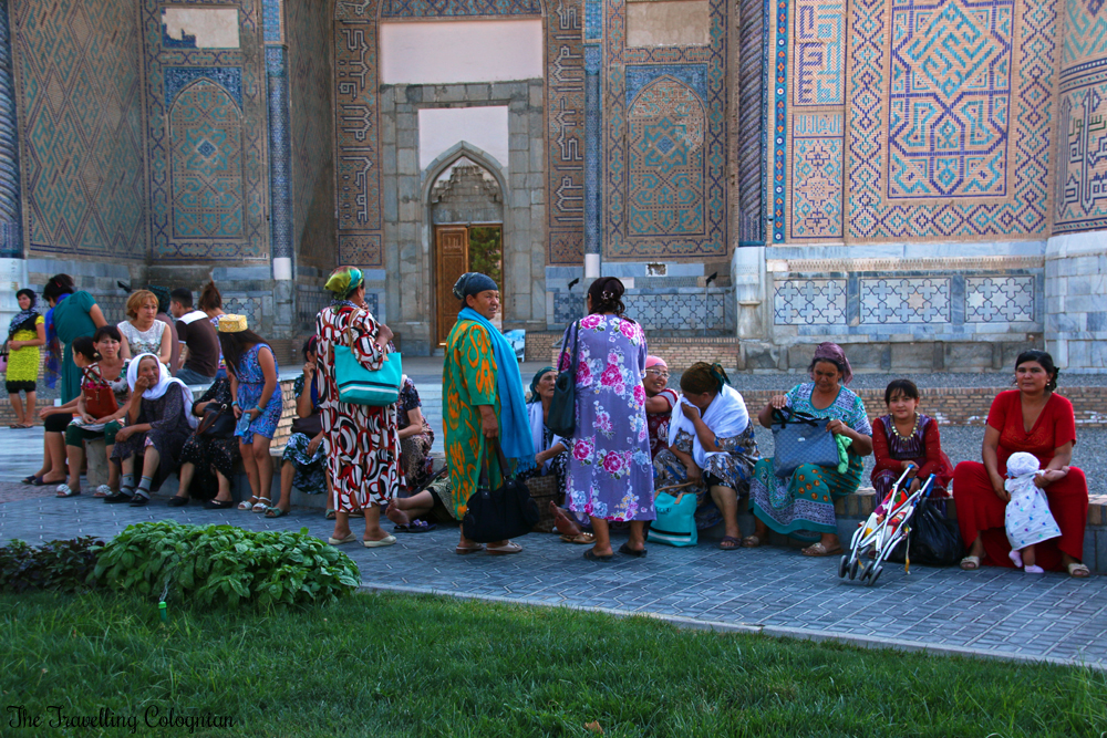 The Jewels of Samarkand - Bibi Khanym Mosque - Uzbek ladies in front of the mosque