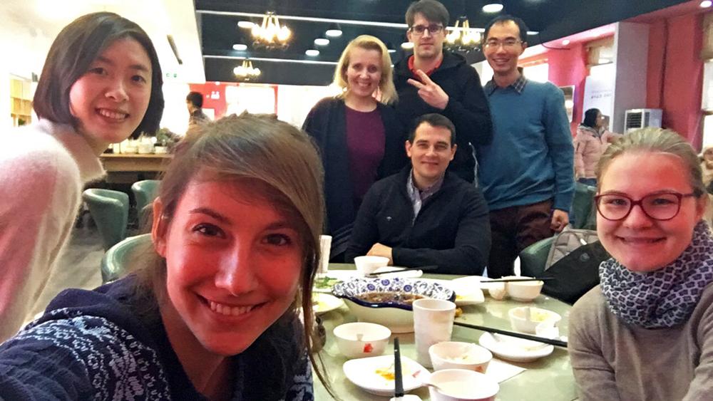 Reiseblogger-Rückblick 2017 Vorweihnachtliches Essen Renmin-Universität Peking China ASIEN