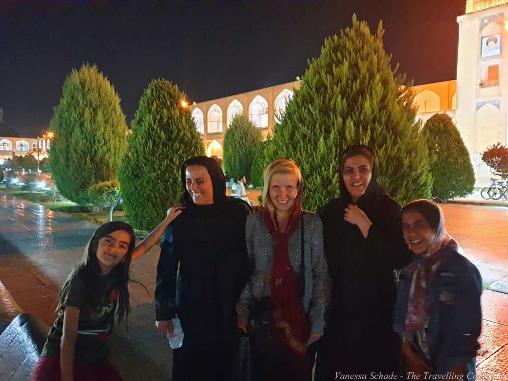 Iranian_Locals_isfahan_Iran_MIDDLE_EAST
